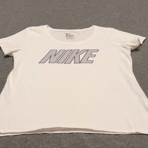The Nike Tee Large